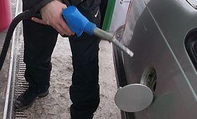 Мониторинг 66.ru: бензин снова стал дешеветь