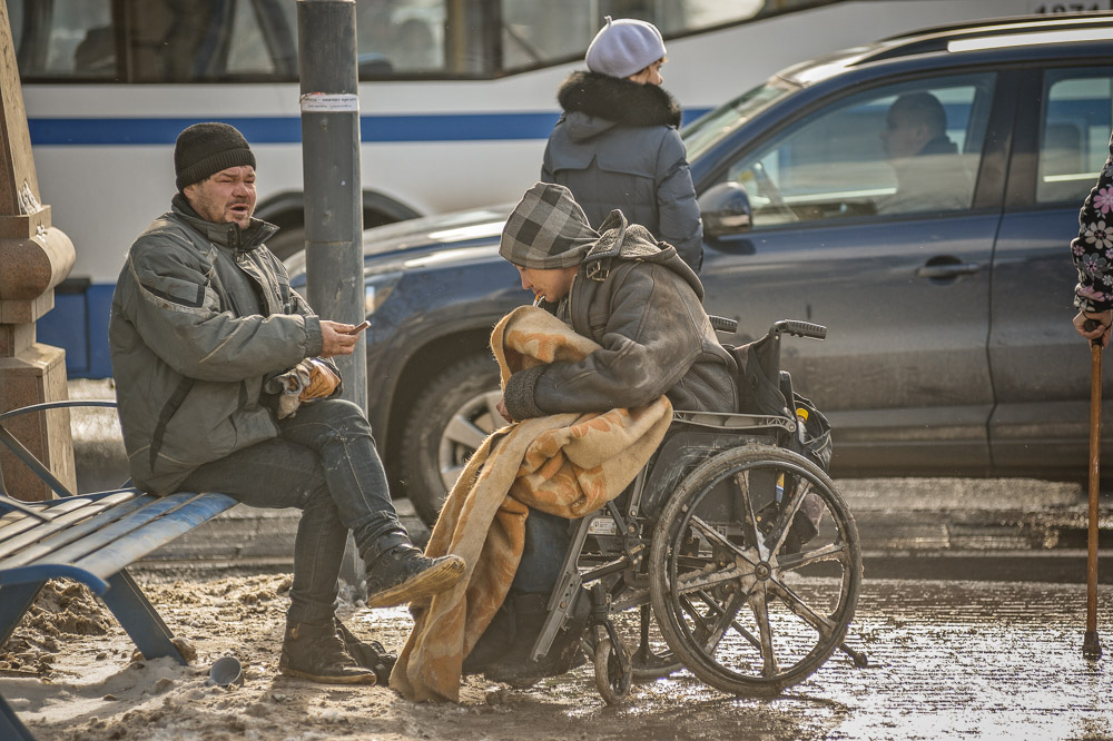 Россияне стали добрее по отношению к бомжам, проституткам и убийцам