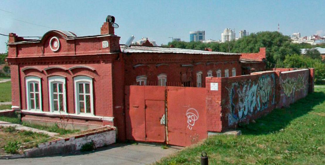 На улице Горького снесли старинный дом, чтобы построить ресторан