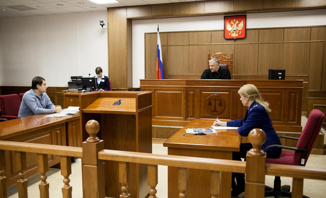 Педофила из Волчанска посадили в тюрьму почти на два года