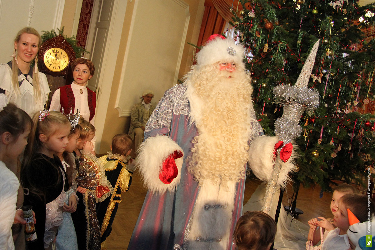 Новогодние 10-дневные каникулы начались в России