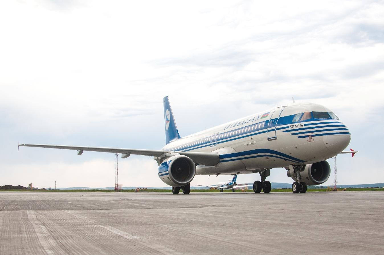 На радость гастарбайтерам: Екатеринбург и Баку связали прямым рейсом
