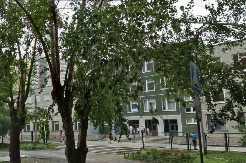 В центре Екатеринбурга снесут бассейн, чтобы увеличить школу