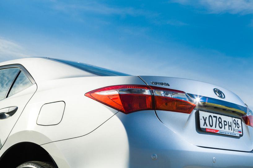 Дело привычки: пробуем новую Toyota Corolla