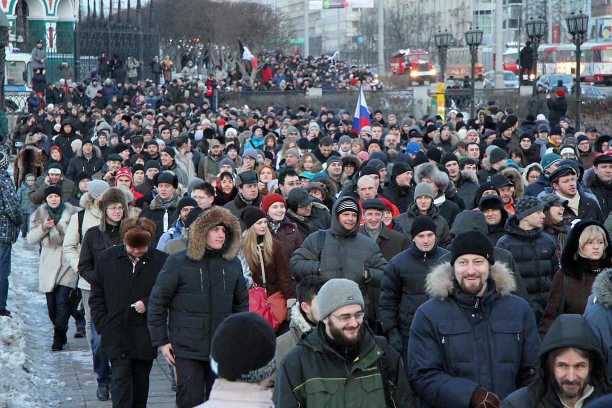 Ночью нужно спать! Путин запретил проводить митинги после 22 часов
