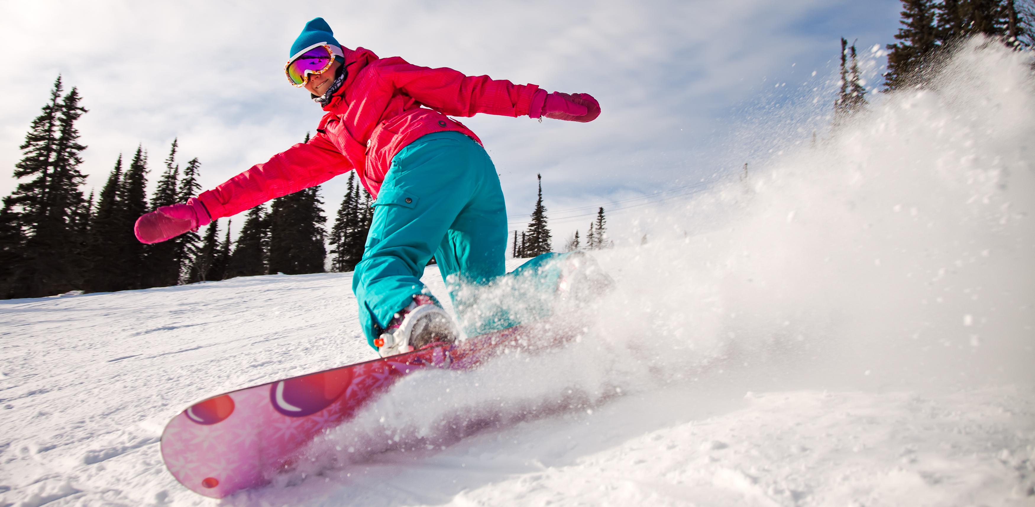 С горы за полцены: «Ежовая» устроила распродажу для лыжников и сноубордистов