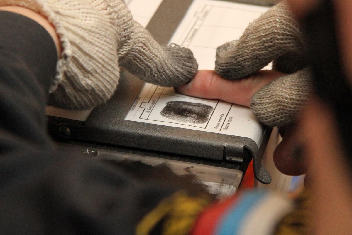 ФМС предлагает снимать отпечатки пальцев у детей мигрантов с 12 лет
