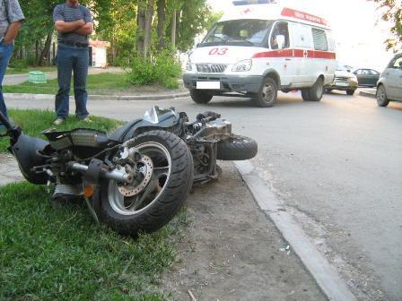В Екатеринбурге скорая помощь сломала челюсть малолетнему байкеру