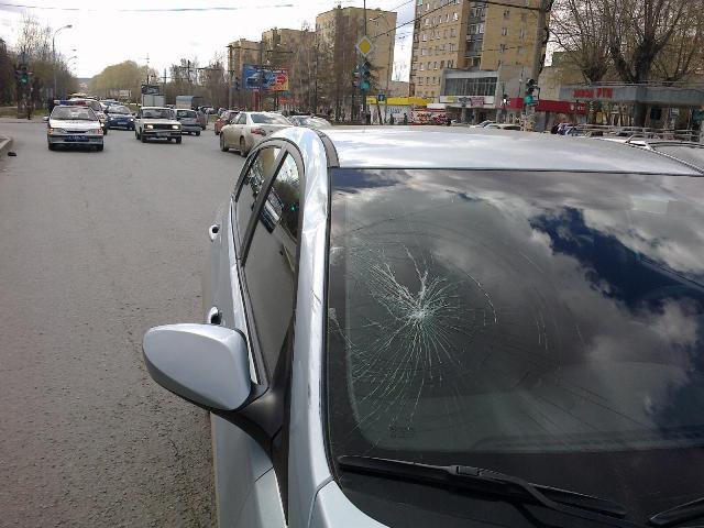 В Екатеринбурге Hyundai насмерть сбил прохожего
