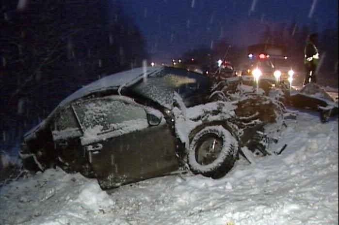 В аварии на ЕКАД с двумя длинномерами пострадал следователь ГУ МВД