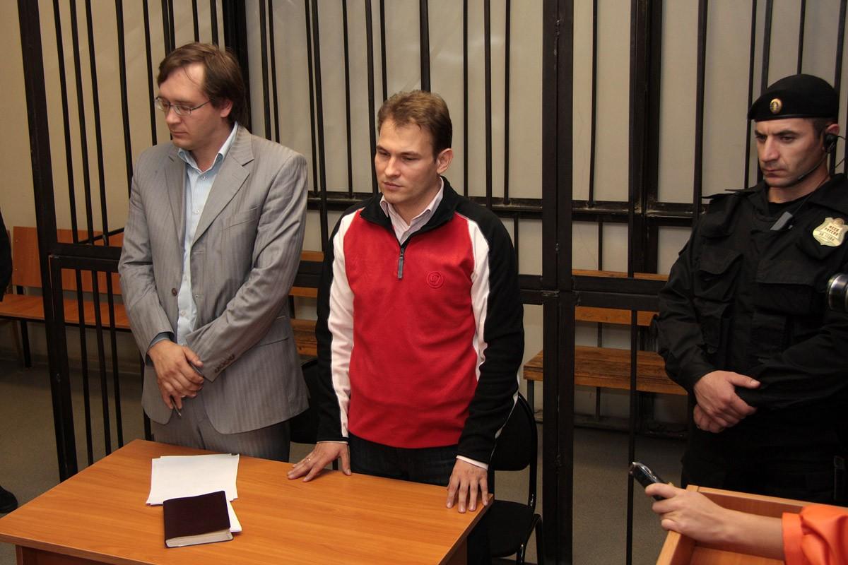 Московские соратники «яблочника» Петлина пошли с пикетом на Холманских