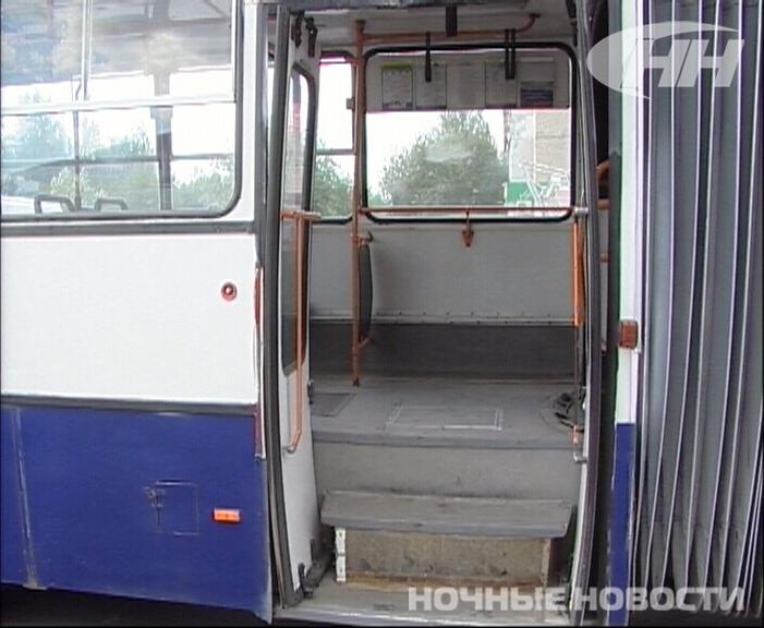 В екатеринбургском автобусе опрокинулась коляска с ребенком