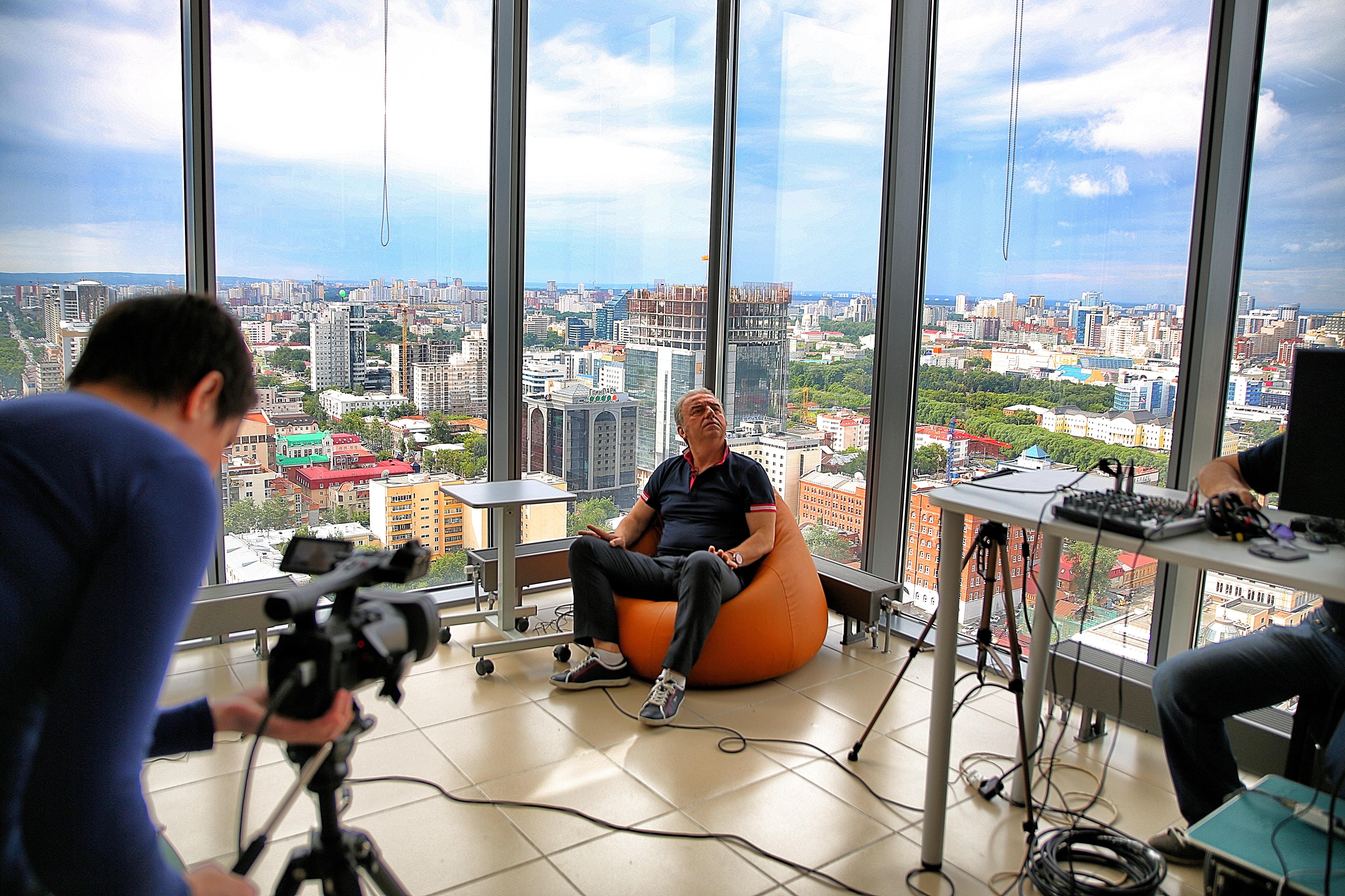 66 минут с Владимиром Шахриным. Оптимистичный онлайн обо всем на свете