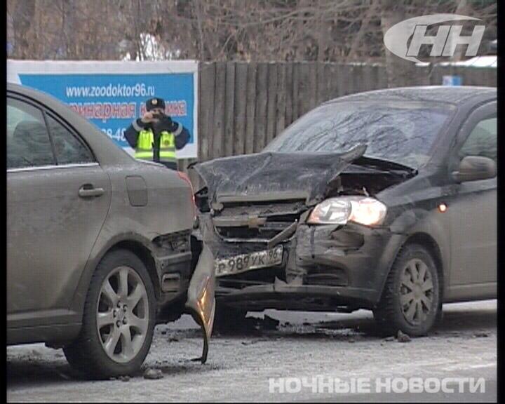 Chevrolet врезался в Toyotaна Московской