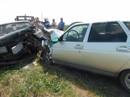 Шестилетний мальчик пострадал в лобовом столкновении машин