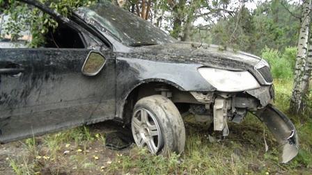 На Сибирском тракте перевернулась иномарка с пьяным водителем