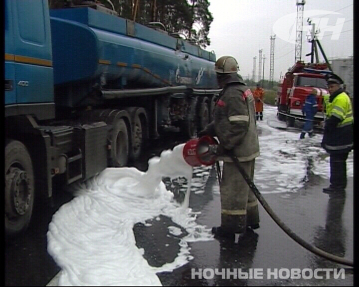 В Екатеринбурге ямобур столкнулся с бензовозом