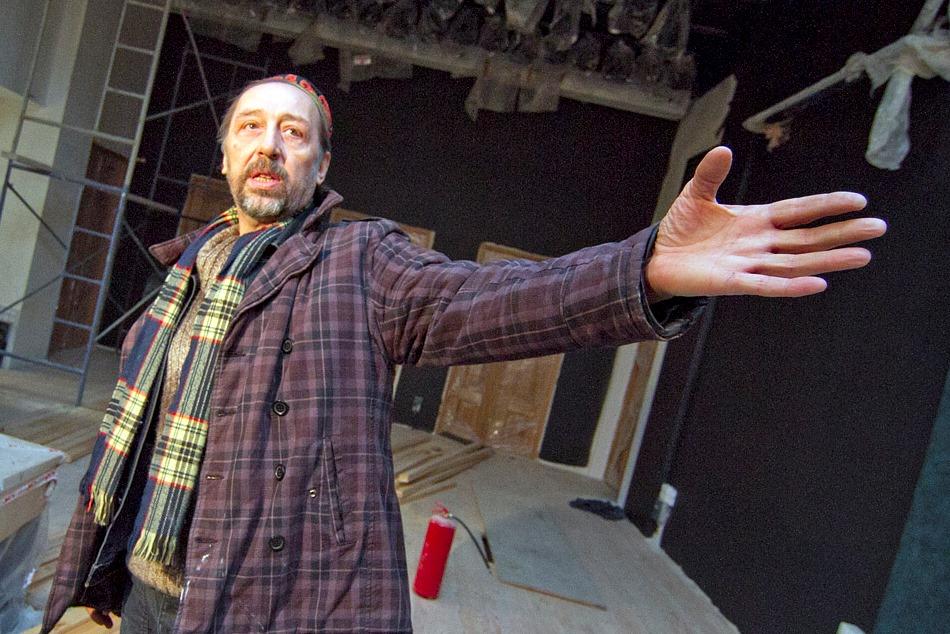 Коляда пообещал в новом театре буфет, елки и билеты «как в кино»
