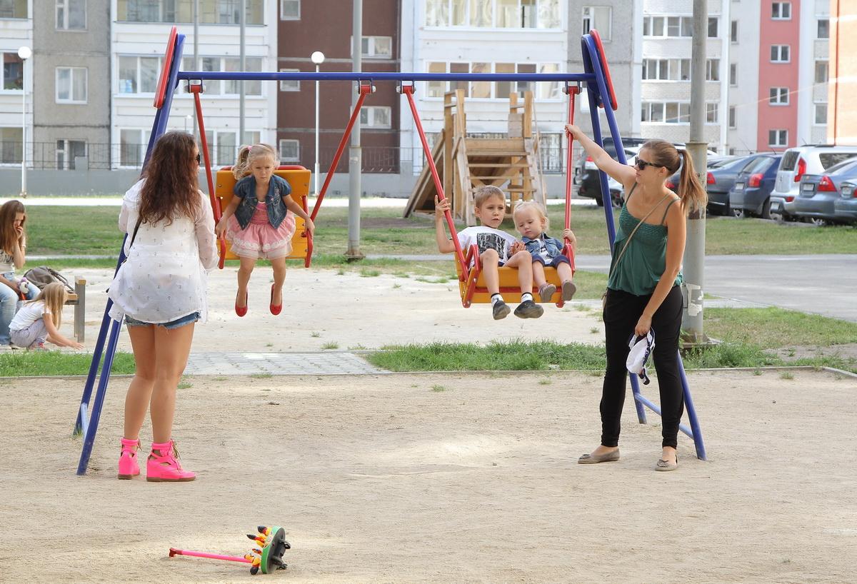 Фоторепортаж 66.ru: в Екатеринбурге ищут самый дружный двор