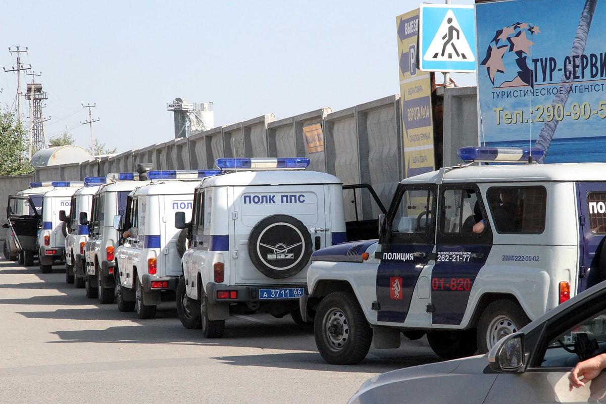 В Первоуральске водитель «Ижа» протаранил стационарный пункт полиции