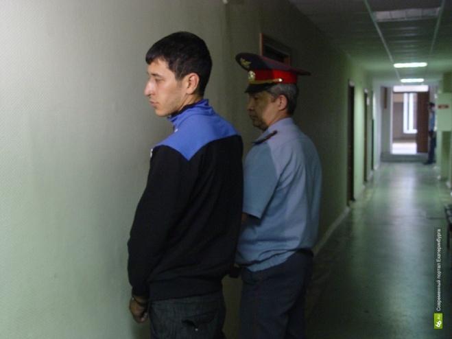 Узбека, сбившего ребенка на Минометчиков, арестовали на два месяца