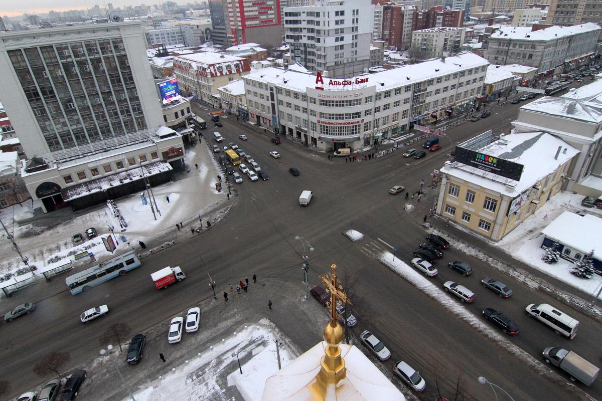 У 11 крупных перекрестков в городе появится дополнительная полоса