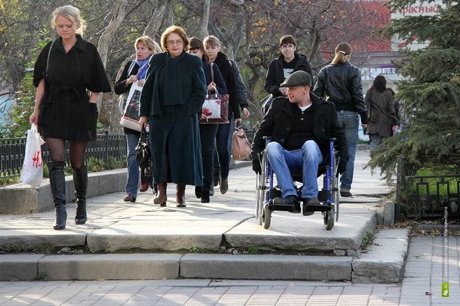 «Воспринимайте нас всерьез!» Инвалиды-колясочники проедут маршем по Екатеринбургу