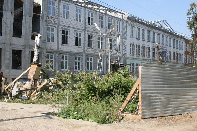 Что происходит с родной школой Александра Мишарина?