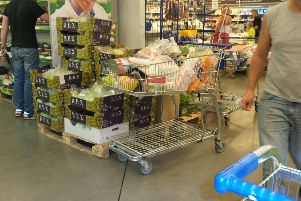 Все выше и выше: годовая инфляция в России выросла до 16,2%