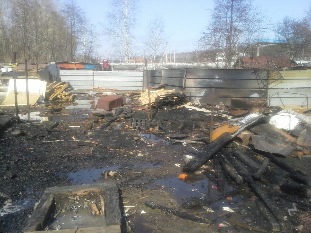 Неизвестные мстители сожгли таджикские трущобы на Сортировке