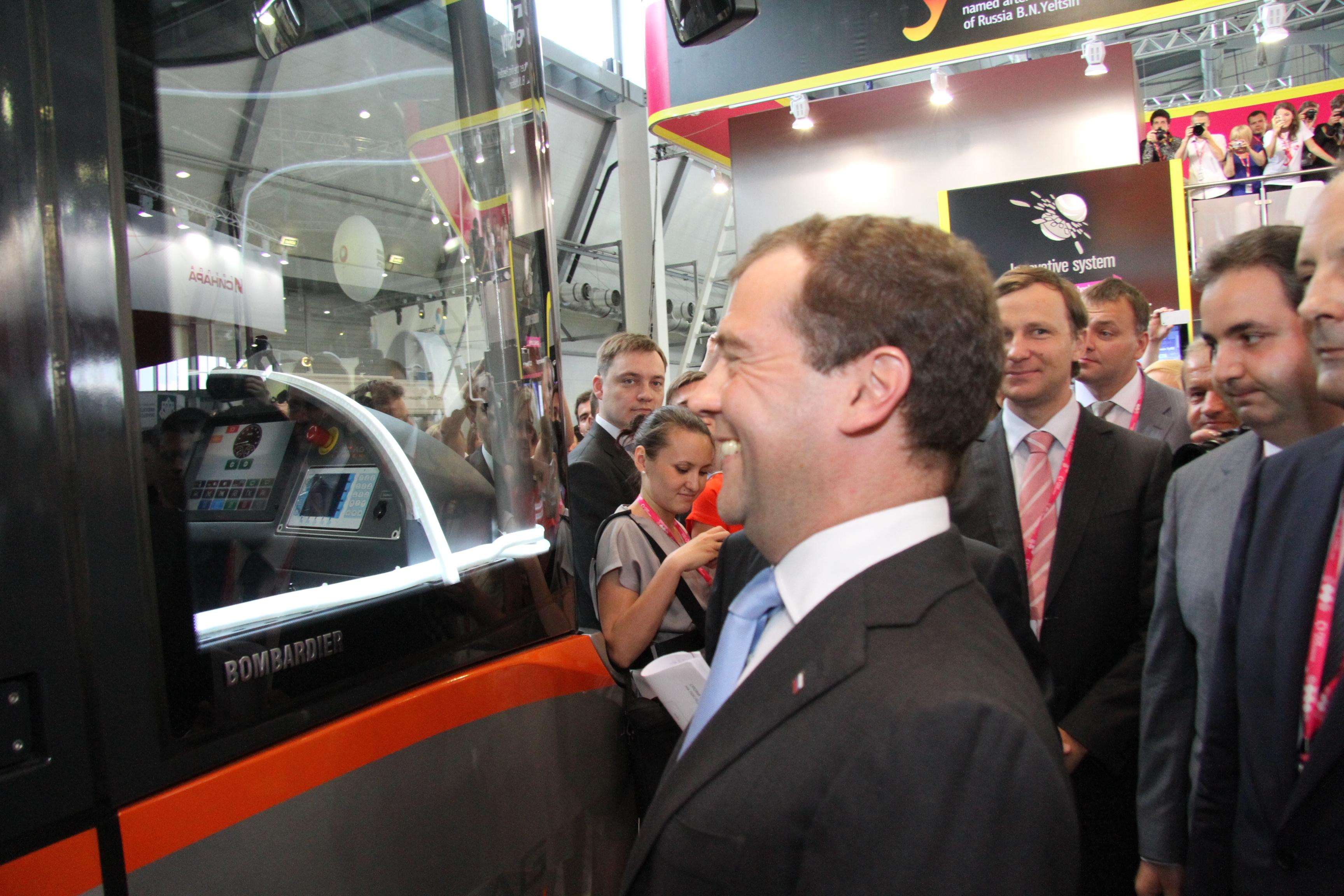 Дмитрий Медведев пообещал дать денег на екатеринбургское метро