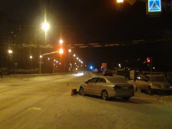 Вечернее ДТП на Викулова закончилось разборками