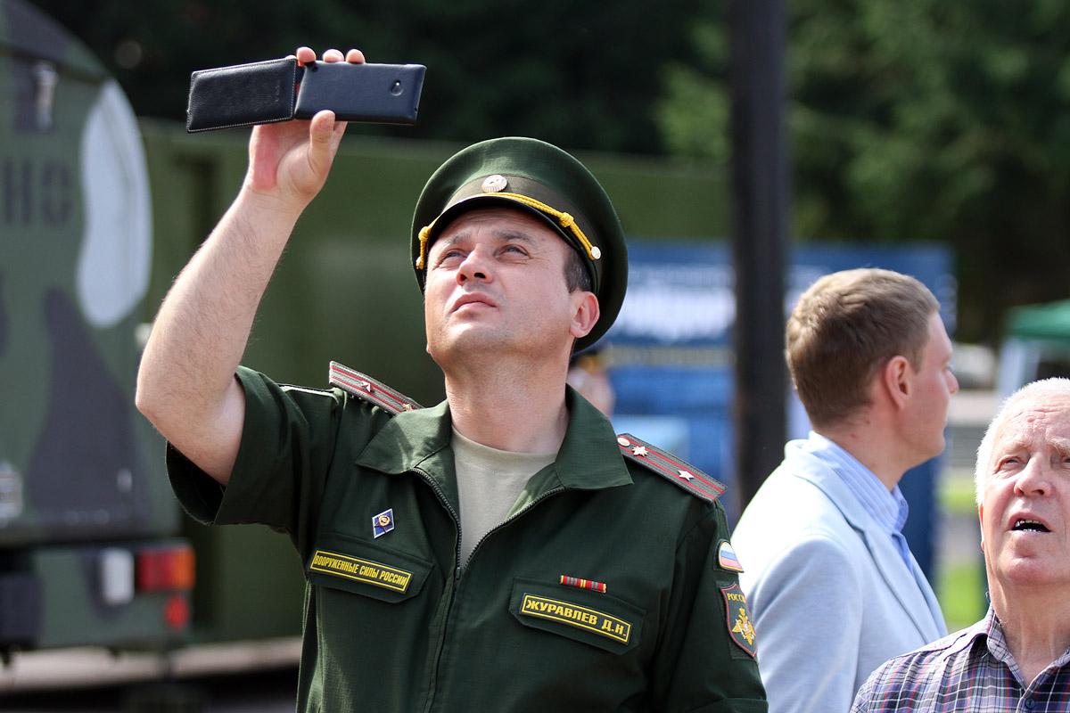 Российским солдатам запретят выкладывать фото в интернет