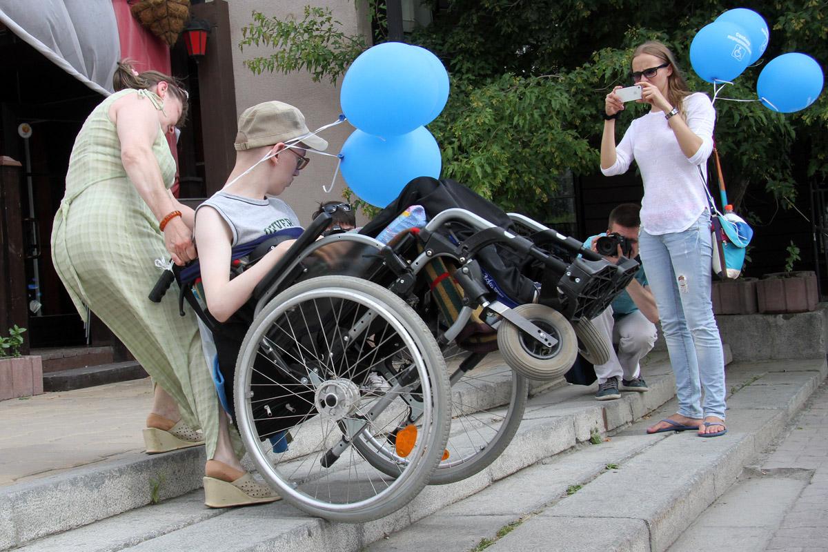 Екатеринбургский пенсионер создал инвалидную коляску, которая разгоняется до 40 км/час