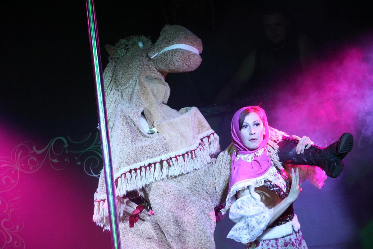 v-ekaterinburge-festival-eroticheskogo-iskusstva