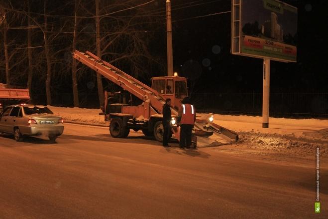 Коммунальщики Екатеринбурга вывезли с улиц 90 тысяч тонн снега