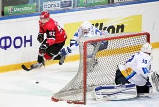 «Авто» победил на своем льду «Реактор» в матче МХЛ