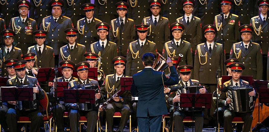Певец из Екатеринбурга впервые выступил в обновленном составе ансамбля имени Александрова