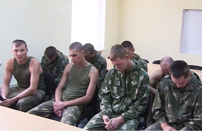 Задержанные на Украине российские десантники вернулись домой