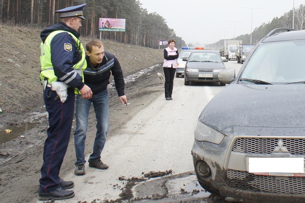 В выходные на свердловских дорогах произошло 8 «пьяных» аварий