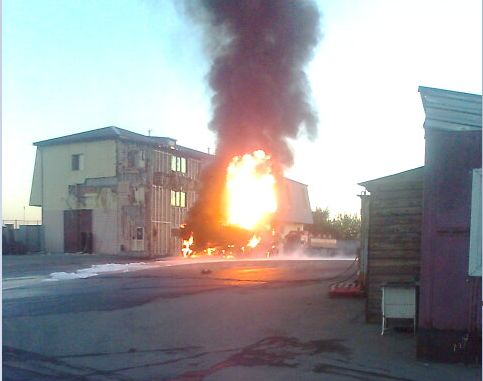 На Сибирском тракте сгорел бензовоз