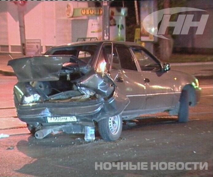 Водитель «Волги» устроил аварию в центре города и сбежал
