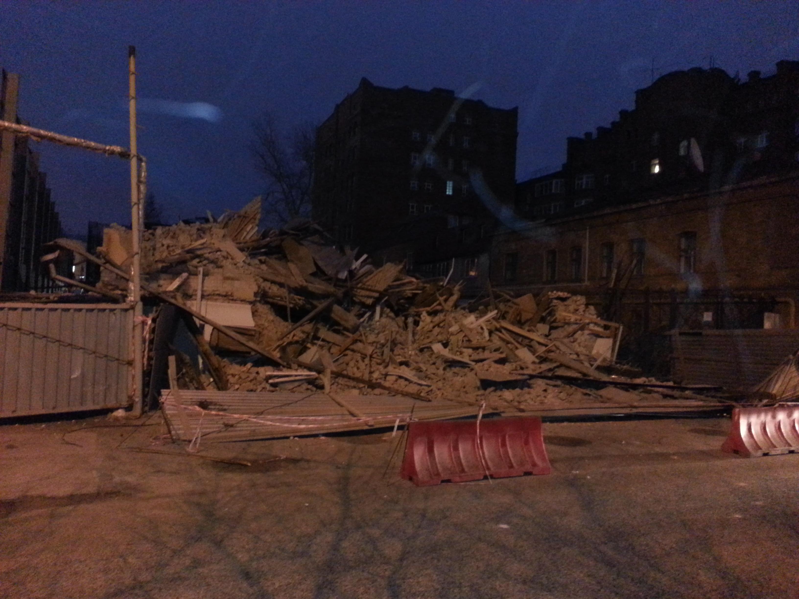 Дом на Гоголя снесли. Куйвашев велел «наказать по всей строгости»