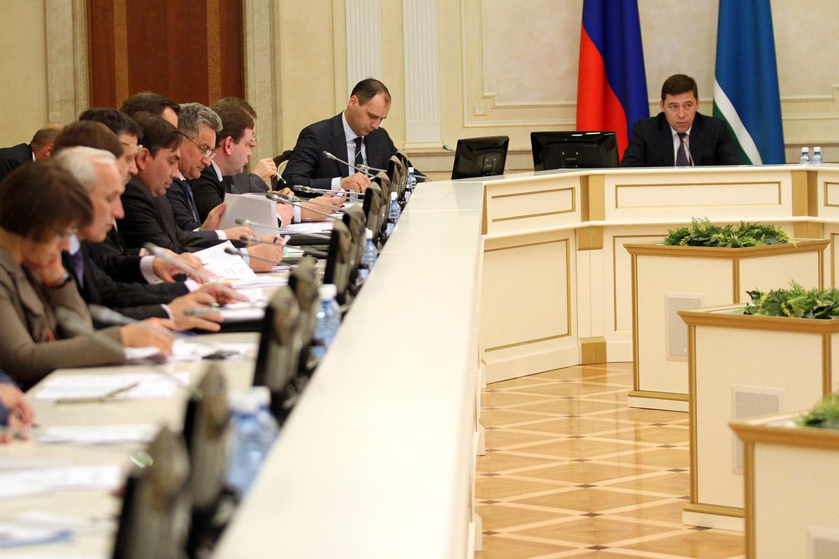 Неожиданно: губернатор попросил сделать упор на промышленность на «Иннопроме»