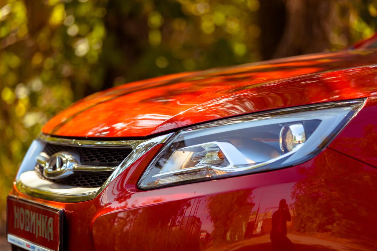 Рубль падает, авто дорожают: еще 6 производителей объявили повышение