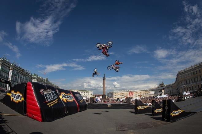 Из-за мотошоу в воскресенье перекроют центр Екатеринбурга