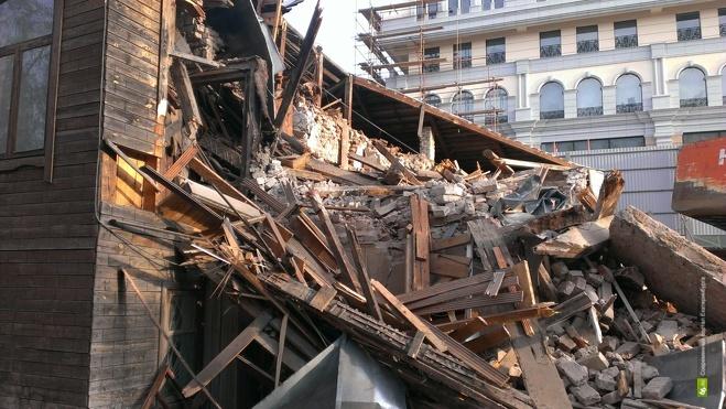 Куйвашев велел восстановить здание на Гоголя