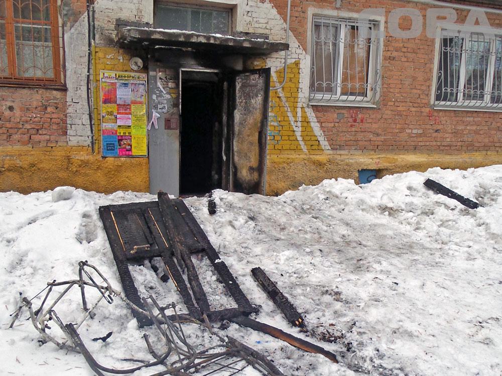 В пожаре на Уралмаше погибла женщина