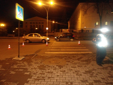 Свердловские водители сбили на переходах двоих пешеходов