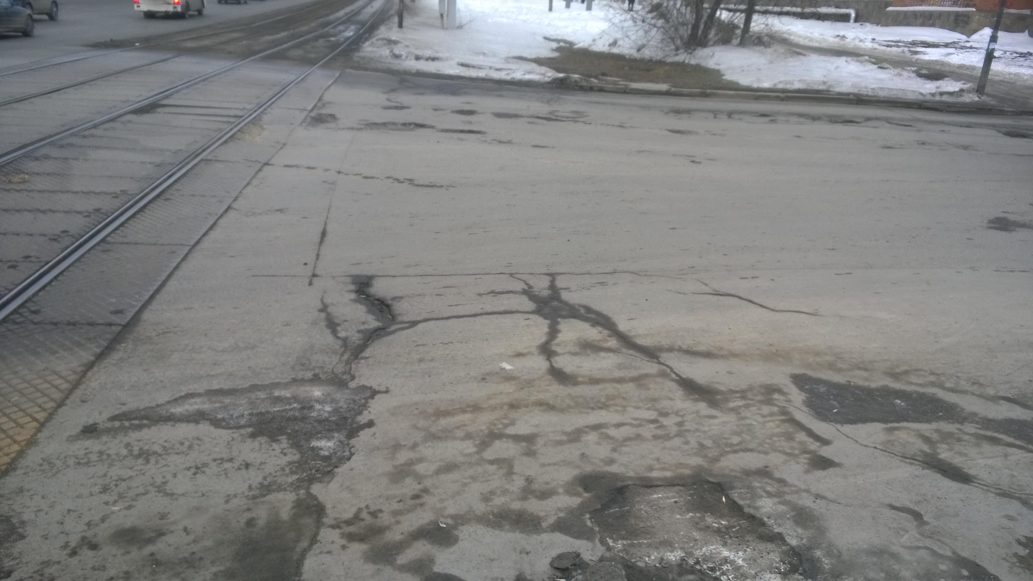 Дороги Екатеринбурга начнут чинить уже в апреле